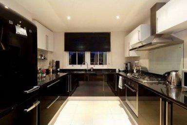 Черно-белая кухня 9